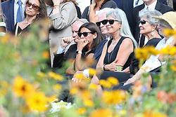 Beerdigung von Sonia Rykiel auf dem Friedhof Montparnasse in Paris / 010916 *** Mayor of Paris Anne Hidalgo during the funeral of the late French fashion designer Sonia Rykiel, at the Montparnasse cemetery in Paris, France, September 1 2016.