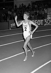 PA NEWS PHOTO 8/2/86  ZOLA BUDD ACKNOWLEDGES THE CROWD WHICH APPLAUDED HER BREAKING THE WOMAN'S 3, 000 WORLD RECORD AT COSFORD