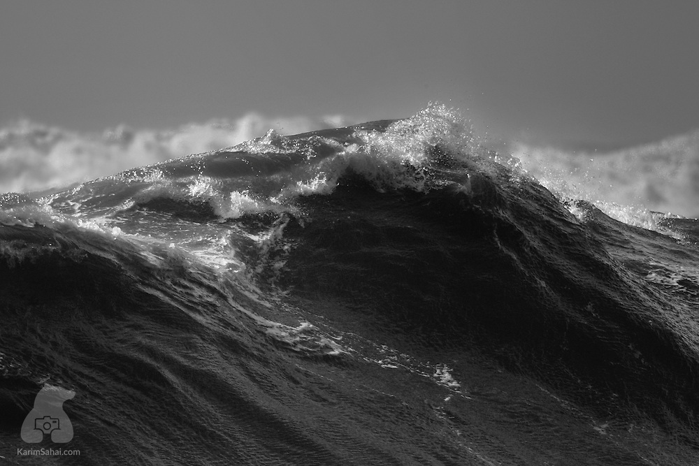 Large ocean swell off the west coast of New Zealand