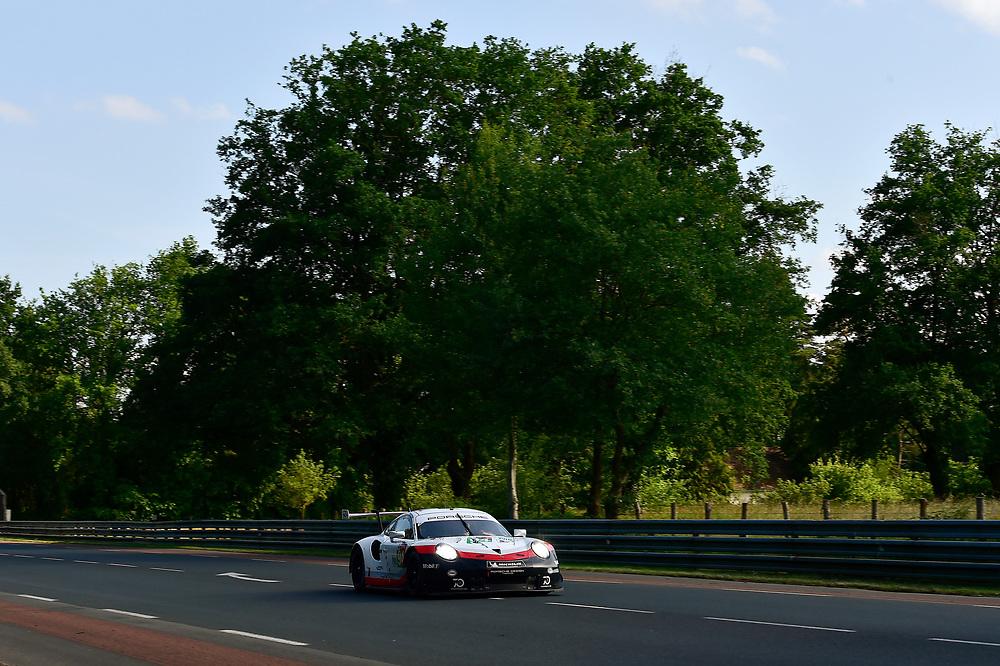#94 Porsche GT Team Porsche 911 RSR: Romain Dumas, Timo Bernhard, Sven Müller<br /> Wednesday 13 June 2018<br /> 24 Hours of Le Mans<br /> 2018 24 Hours of Le Mans<br /> Circuit de la Sarthe  FR<br /> World Copyright: Scott R LePage