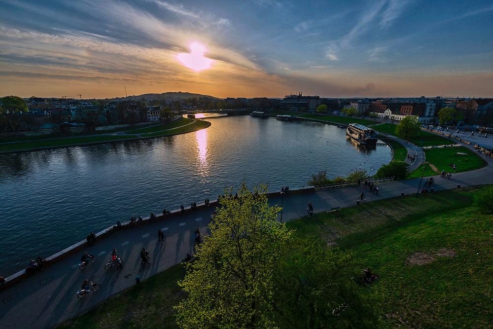Zakole Wisły pod Wawelem, Kraków, Polska<br /> The Vistula River at Wawel Hill, Cracow, Poland