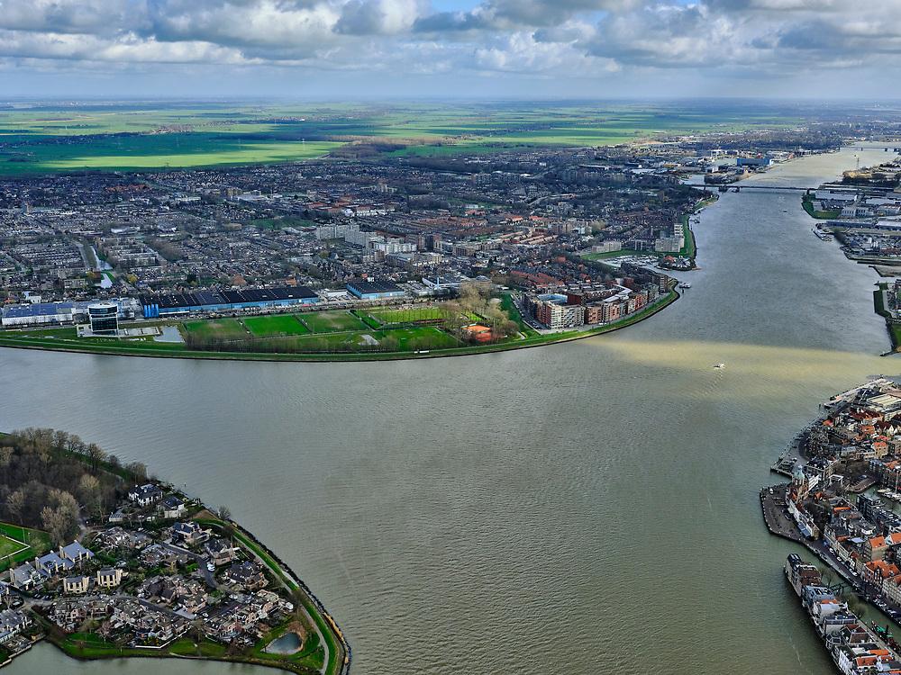 Nederland, Zuid-Holland, Dordrecht, 25-02-2020; samenstroming van de rivieren Oude Maas, de Noord en Beneden Merwede. Zicht op Papendrecht.<br /> Confluence of the rivers Oude Maas, Noord and Beneden Merwede.<br /> luchtfoto (toeslag op standard tarieven);<br /> aerial photo (additional fee required)<br /> copyright © 2020 foto/photo Siebe Swart