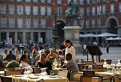 THEMENBILD - Madrid ist seit Jahrhunderten der geographische, politische und kulturelle Mittelpunkt Spaniens (siehe Kastilien) und der Sitz der spanischen Regierung. Hier residieren auch der König, ein katholischer Erzbischof sowie wichtige Verwaltungs- und Militärbehörden. Als Handels- und Finanzzentrum hat die Stadt nationale und internationale Bedeutung. Hier im Bild Restaurants, Abendstimmung, Plaza Mayor // THEMATIC PACKAGES - Madrid is the capital and largest city of Spain. The population of the city is roughly 3.3 million and the entire population of the Madrid metropolitan area is calculated to be around 6.5 million. It is the third-largest city in the European Union, after London and Berlin, and its metropolitan area is the third-largest in the European Union after London and Paris. The city spans a total of 604.3 km2. EXPA Pictures © 2014, PhotoCredit: EXPA/ Eibner-Pressefoto/ Weber<br /> <br /> *****ATTENTION - OUT of GER*****