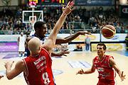 DESCRIZIONE : Cantu Lega A 2013-14 Acqua Vitasnella Cantu Grissin Bon Reggio Emilia<br /> GIOCATORE : Joe Ragland<br /> CATEGORIA : Passaggio<br /> SQUADRA : Acqua Vitasnella Cantu<br /> EVENTO : Campionato Lega A 2013-2014<br /> GARA : Acqua Vitasnella Cantu Grissin Bon Reggio Emilia<br /> DATA : 04/01/2014<br /> SPORT : Pallacanestro <br /> AUTORE : Agenzia Ciamillo-Castoria/G.Cottini<br /> Galleria : Lega Basket A 2013-2014  <br /> Fotonotizia : Cantu Lega A 2013-14 Acqua Vitasnella Cantu Grissin Bon Reggio Emilia<br /> Predefinita :