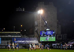 Lineout under the lights - Mandatory by-line: Andy Watts/JMP - 08/01/2021 - RUGBY - Recreation Ground - Bath, England - Bath Rugby v Wasps - Gallagher Premiership Rugby