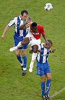 Fotball<br /> Champions League 200/04<br /> Finale<br /> Porto v Monaco<br /> Arena Aufschalke Stadium - Gelsenkirchen Tyskland<br /> 26. mai 2004<br /> Foto: Digitalsport<br /> NORWAY ONLY<br /> SHABANI NONDA (MON) / JORGE COSTA / COSTINHA (POR)