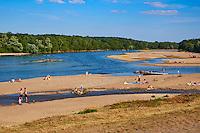France, Centre-Val de Loire, Cher (18), le Berry, Sancerrois, rives de la Loire // France, Cher 18, Sancerre village,the Loire river's bank