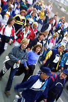 Friidrett, Jentebølgen 2001, Drammen 6. juni. Mosjonsløp, løp, løping, jenter, jogging, jogg, Illustrasjon, mosjon.