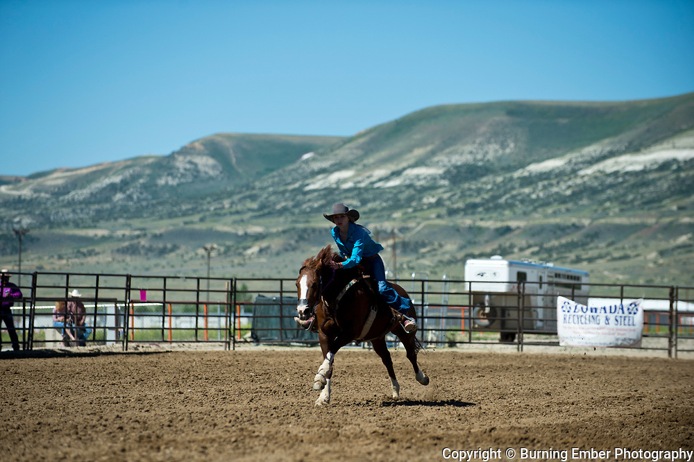 Kade Koltiska in the Pole Bending event at the Saturday Short Go round event at the Wyoming State High School Finals Rodeo in Rock Springs Wyoming.  Photo by Josh Homer/Burning Ember Photography.  Photo credit must be given on all uses.