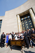 Mayor DeBlasio Signs Municipal ID Bill - Make the Road NY