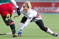 AMSTELVEEN - HOCKEY - Sophie Polkamp van Amsterdam tijdens de hoofdklasse hockeywedstrijd tussen de vrouwen van Amsterdam en MOP (2-0). FOTO KOEN SUYK