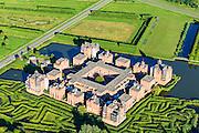 Nederland, Noord-Brabant, Den Bosch, 23-08-2016; Plan Haverleij, nieuwbouwwijk gelegen aan de Maas ten noordwesten van Den Bosch. De wijk bestaat uit een negental kastelen, elk in een andere stijl. Het stedenbouwkundig ontwerp van het landgoed is van Sjoerd Soeters en Paul van Beek.<br /> Plan Haverleij, housing project, consists of nine castles, each in a different style, including Haverleij Castle.<br /> luchtfoto (toeslag op standard tarieven);<br /> aerial photo (additional fee required);<br /> copyright foto/photo Siebe Swart