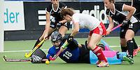 BREDA (Neth.)  NZ goallie Brooke Roberts wih English Kim Leiper  during the match  New Zealand vs England U21 women . Volvo Invitational Tournament U21. COPYRIGHT KOEN SUYK