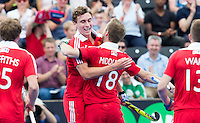 LONDON -  Unibet Eurohockey Championships 2015 in  London. England v Ireland for bronze medal .  Harry Martin  (m) has scored 1-0 and celebrates with Barry Middleton (C) . WSP Copyright  KOEN SUYK
