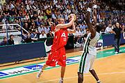 DESCRIZIONE : Siena Lega A 2008-09 Playoff Finale Gara 2 Montepaschi Siena Armani Jeans Milano<br /> GIOCATORE : Mindaugas Katelynas<br /> SQUADRA : Armani Jeans Milano<br /> EVENTO : Campionato Lega A 2008-2009 <br /> GARA : Montepaschi Siena Armani Jeans Milano<br /> DATA : 12/06/2009<br /> CATEGORIA : passaggio <br /> SPORT : Pallacanestro <br /> AUTORE : Agenzia Ciamillo-Castoria/G.Ciamillo
