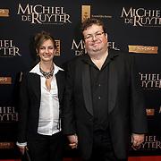 NLD/Amsterdam/20150126 - Premiere Michiel de Ruyter, cast, Roel Reine en partner