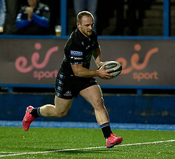 Nick Grigg of Glasgow Warriors scores his sides first try<br /> <br /> Photographer Simon King/Replay Images<br /> <br /> Guinness PRO14 Round 15 - Cardiff Blues v Glasgow Warriors - Saturday 16th February 2019 - Cardiff Arms Park - Cardiff<br /> <br /> World Copyright © Replay Images . All rights reserved. info@replayimages.co.uk - http://replayimages.co.uk