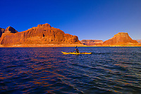 Kayaking, Lake Powell, Glen Canyon National Recreation Area, Arizona/Utah border USA
