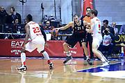 DESCRIZIONE : Paladesio Eurolega 2013-14 EA7 Emporio Armani Milano-Brose Baskets Bamberg<br /> GIOCATORE : Velickovic Novica<br /> SQUADRA :  Brose Baskets Bamberg<br /> CATEGORIA : Palleggio<br /> EVENTO : Eurolega 2013-2014<br /> GARA :  EA7 Emporio Armani Milano-Brose Baskets Bamberg<br /> DATA : 13/12/2013<br /> SPORT : Pallacanestro<br /> AUTORE : Agenzia Ciamillo-Castoria/I.Mancini<br /> Galleria : Eurolega 2013-2014<br /> Fotonotizia : Milano Eurolega Eurolegue 2013-14  EA7 Emporio Armani Milano Brose Baskets Bamberg<br /> Predefinita :