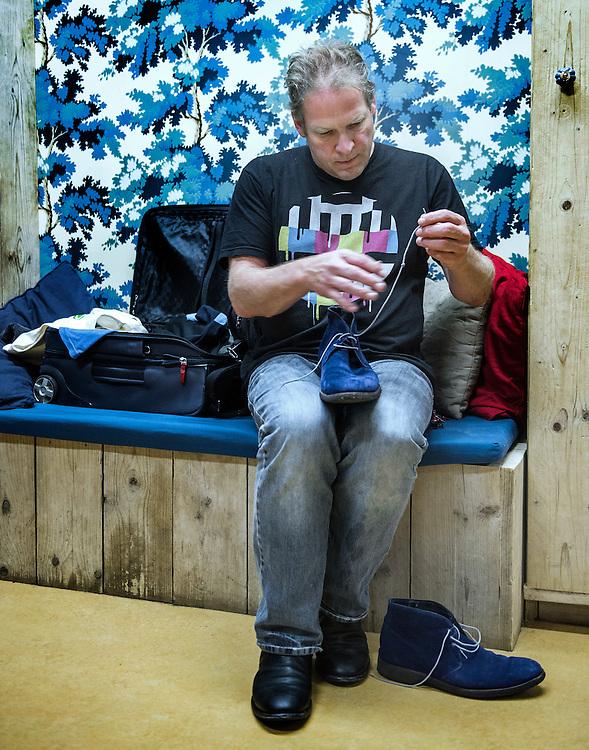 Netherlands. Houten, 20-11-2015. Photo: Patrick Post.  Try-out van de nieuwe show van Erik van Muiswinkel, De Olieworstelaar. kleedkamer
