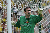 Photo: Lee Earle.<br /> Watford v Manchester United. The Barclays Premiership. 26/08/2006. Watford keeper Richard Lee.