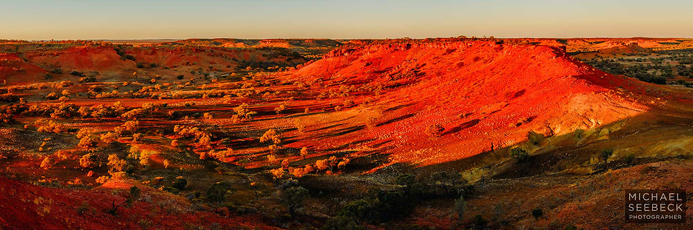 Sunrise view of mesa landscape near Boulia in western Queensland.<br /> <br /> Code: HAQN0003