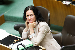 19.05.2016, Parlament, Wien, AUT, Parlament, Nationalratssitzung, Sitzung des Nationalrates mit erster Rede des neuen Bundeskanzlers, im Bild Grüne Klubobfrau Eva Glawischnig // Leader of the parliamentary group the greens Eva Glawischnig<br />  during meeting of the National Council of austria with a speech of the new chancellor at austrian parliament in Vienna, Austria on 2016/05/19, EXPA Pictures © 2016, PhotoCredit: EXPA/ Michael Gruber