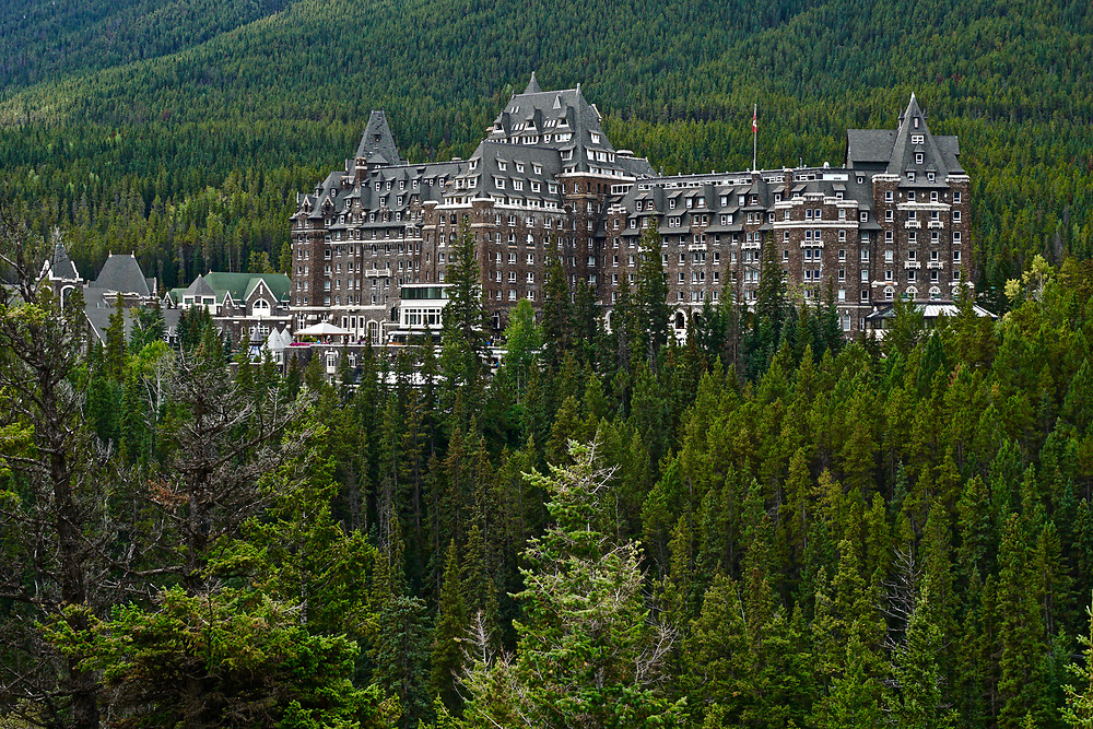 Fairmont Banf Hotel, Banf National Park, Bow River, Alberta, Canada