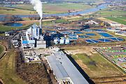 Nederland, Gelderland, Duiven, 11-02-2008; vuilverbrandingsinstallatie AVR AVIRA, vuilverbrandingsinstallatie in combinatie met energie centrale; ook rioolwateringszuivering (zuivering rioolwater, afvalwater); deel van afvalverwerkingsbedrijf AVR-AVIRA-Van Gansewinkel; rivier de IJssel in de achtergrond; warmtelevering, warmte levering, vuilverbranding, emissie, co2, kooldioxide, uitstoot, afvalverwerking, milieu, verbranding, recycling, hergebruik, afval, afvalverbranding, compostering, compost, energieterugwinning, afvalstoffen, hergebruik, AVIRA, NUON, AVR, Gansewinkel,..luchtfoto (toeslag); aerial photo (additional fee required); .foto Siebe Swart / photo Siebe Swart
