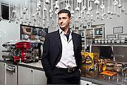 Alberto Maja nello stabilimento di caffé Hardy ad Assago.