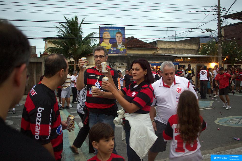 Flamengo fans congrigate outside the ground before their teams match against Palmeiras in the Futebol Brasileirao  League match at Estadio Olímpico Joao Havelange, Rio de Janeiro, Palmeiras won the match 3-1. Rio de Janeiro,  Brazil. 25th September 2010. Photo Tim Clayton