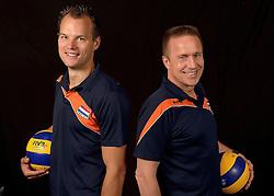 20-07-2014 NED: Selectie Nederlands volleybal team jongens jeugd, Arnhem<br /> Op Papendal werd het Nederlands team volleybal seizoen 2014-2015 gepresenteerd / Niels Plinck en Han Abbing