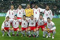 Fotball<br /> Privatlandskamp<br /> Frankrike v Polen<br /> 17. november 2004<br /> Foto: Digitalsport<br /> NORWAY ONLY<br /> POLAND TEAM ( BACK ROW LEFT TO RIGHT : TOMASZ RZASA / JACEK BAK / JERZY DUDEK / RADOSLAW KALUZNY / KAMIL KOSOWSKI . FRONT ROW : MARCIN BASZCZYNSKI / JACEK KRZYNOWEK / MACIEJ ZURAWSKI / MIROSLAW SZYMKOWIAK / TOMASZ FRANKOWSKI / TOMASZ HAJTO ) *** Local Caption *** 40001426