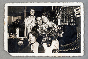 casual portrait with young couple celebration ca 1950s Nederlands