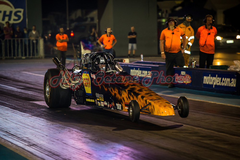 Simon Lekias racing in Modified at the Nitro Max event at Perth Motorplex