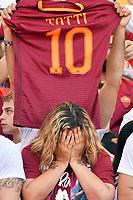 Una tifosa piange prima della partita <br /> A fan cries for the last match of Francesco Totti <br /> Roma 28-05-2017 Stadio Olimpico Football Calcio Serie A 2016/2017 AS Roma - Genoa  Foto Andrea Staccioli / Insidefoto