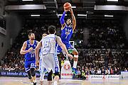 DESCRIZIONE : Beko Legabasket Serie A 2015- 2016 Dinamo Banco di Sardegna Sassari - Enel Brindisi<br /> GIOCATORE : Adrian Banks<br /> CATEGORIA : Tiro Tre Punti Three Point<br /> SQUADRA : Enel Brindisi<br /> EVENTO : Beko Legabasket Serie A 2015-2016<br /> GARA : Dinamo Banco di Sardegna Sassari - Enel Brindisi<br /> DATA : 18/10/2015<br /> SPORT : Pallacanestro <br /> AUTORE : Agenzia Ciamillo-Castoria/C.Atzori