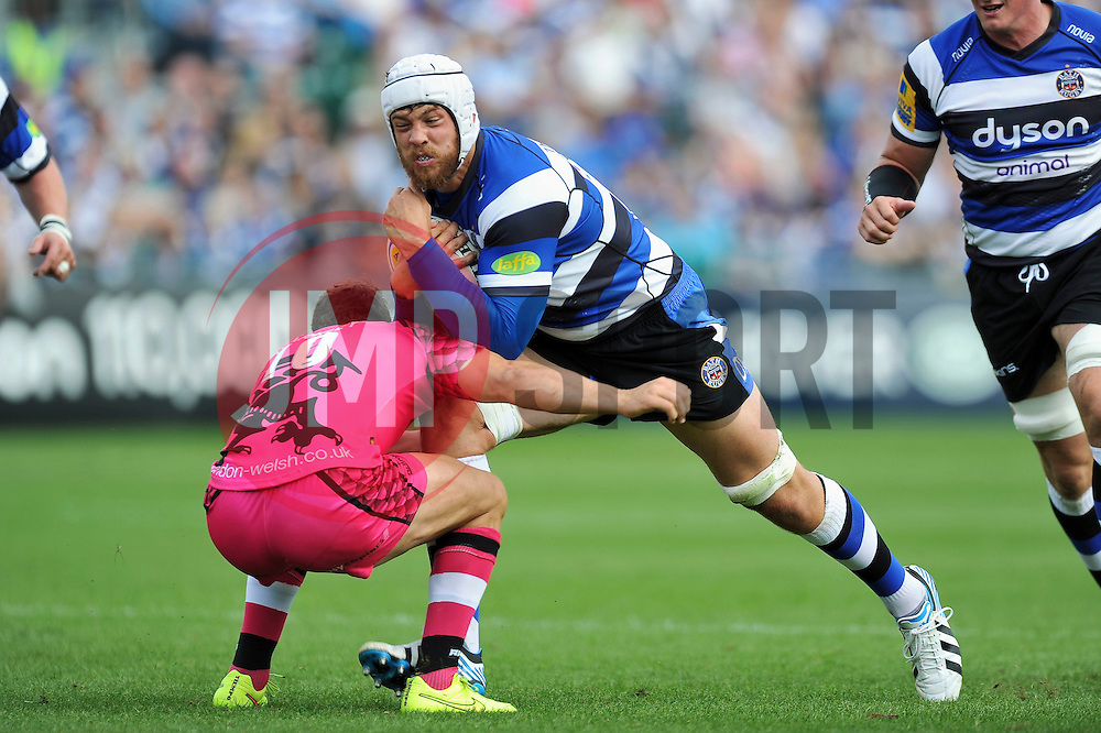 Dave Attwood of Bath Rugby crashes into Olly Barkley of London Welsh - Photo mandatory by-line: Patrick Khachfe/JMP - Mobile: 07966 386802 13/09/2014 - SPORT - RUGBY UNION - Bath - The Recreation Ground - Bath Rugby v London Welsh - Aviva Premiership
