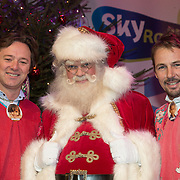NLD/Hilversum /20131210 - Sky Radio Christmas Tree For Charity 2013, Frits Sissing en Tim Immers met de kertman