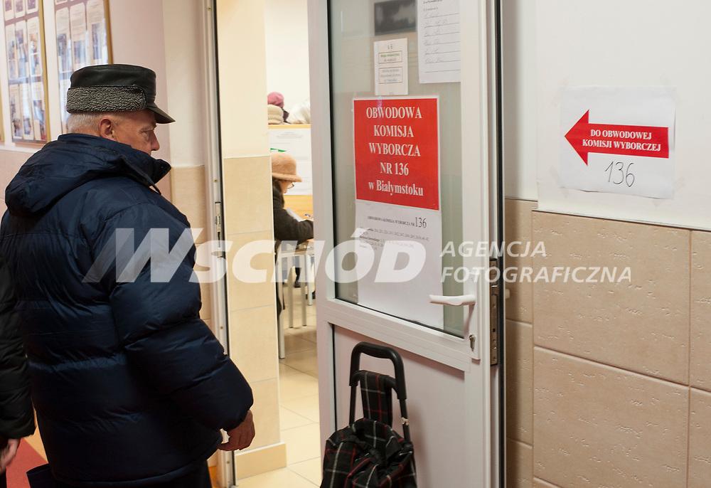 16.11.2014 Bialystok Glosowanie w Obwodowej Komisji Wyborczej nr 136 fot Michal Kosc / AGENCJA WSCHOD