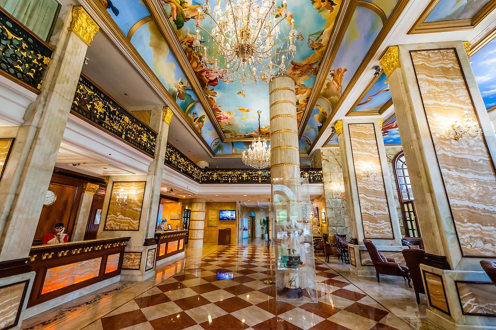 Interior view, Hotel the Royal Plaza, New Delhi, India.