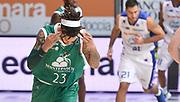 DESCRIZIONE : Cantu' campionato serie A 2013/14 Acqua Vitasnella Cantu' Montepaschi Siena<br /> GIOCATORE : Daniel Hackett<br /> CATEGORIA : esultanza<br /> SQUADRA : Montepaschi Siena<br /> EVENTO : Campionato serie A 2013/14<br /> GARA : Acqua Vitasnella Cantu' Montepaschi Siena<br /> DATA : 24/11/2013<br /> SPORT : Pallacanestro <br /> AUTORE : Agenzia Ciamillo-Castoria/R.Morgano<br /> Galleria : Lega Basket A 2013-2014  <br /> Fotonotizia : Cantu' campionato serie A 2013/14 Acqua Vitasnella Cantu' Montepaschi Siena<br /> Predefinita :
