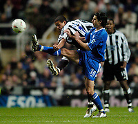 Fotball<br /> Foto: SBI/Digitalsport<br /> NORWAY ONLY<br /> <br /> Newcastle United v Chelsea<br /> Coca-Cola Cup Fourth Round<br /> 10/11/2004<br /> <br /> Chelsea's Tiago Mendes (R) scraps with Newcastle's Jermaine Jenas for possession.