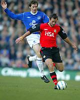 Fotball<br /> Premier League 2004/05<br /> Everton v Blackburn<br /> 6. mars 2005<br /> Foto: Digitalsport<br /> NORWAY ONLY<br /> Lucas Neill of Blackburn is pressured by Kevin Kilbane of Everton