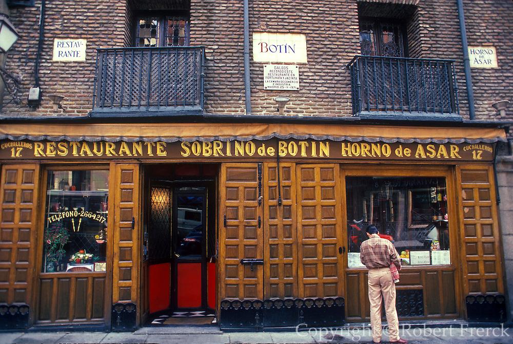 SPAIN, MADRID, ENTERTAINMENT Botin's,16thc, world's oldest restaurant
