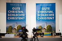 DEU, Deutschland, Germany, Berlin, 29.05.2017: Plakate der Partei Alternative für Deutschland (AfD) im Hintergrund bei einer AfD-Pressekonferenz zum Thema Gute Christen, schlechte Christen? AfD und die Kirchen.