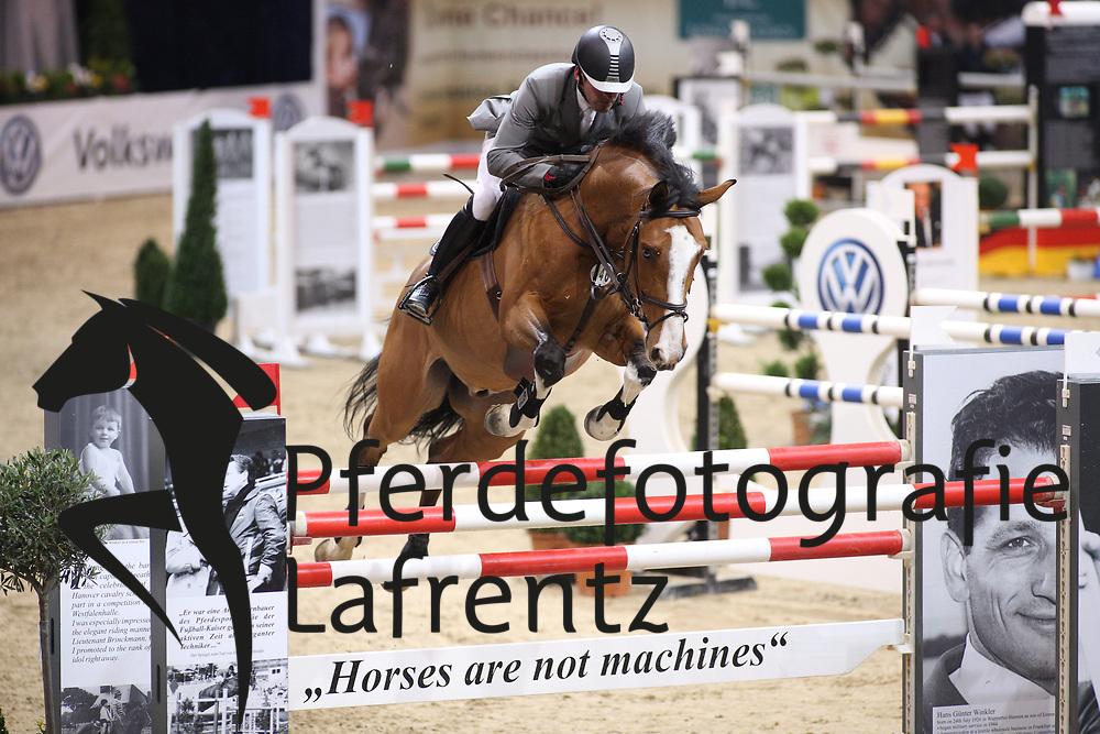 Weishaupt, Philipp (GER), Liberty Son<br /> Braunschweig - Löwen Classics 2016<br /> 2. Qualifikation Grosse Tour<br /> © www.sportfotos-lafrentz.de / Stefan Lafrentz