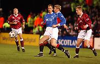 Fotball: Hearts v Rangers, Scottish Premier League, Tynecastle, Edinburgh.<br />Foto: Ian Stewart, Digitalsport.<br />Saturday February 9th.  2002.<br />Tore Andre Flo loses control of the ball