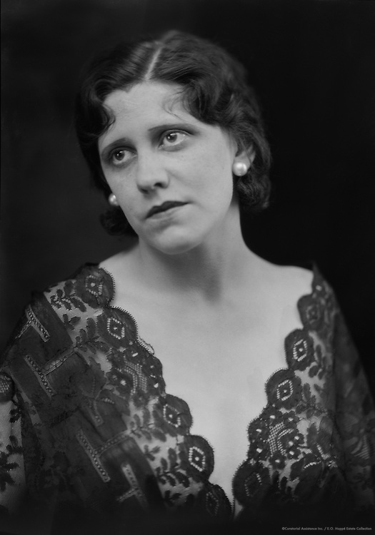 Laurie Devine, actress, 1929