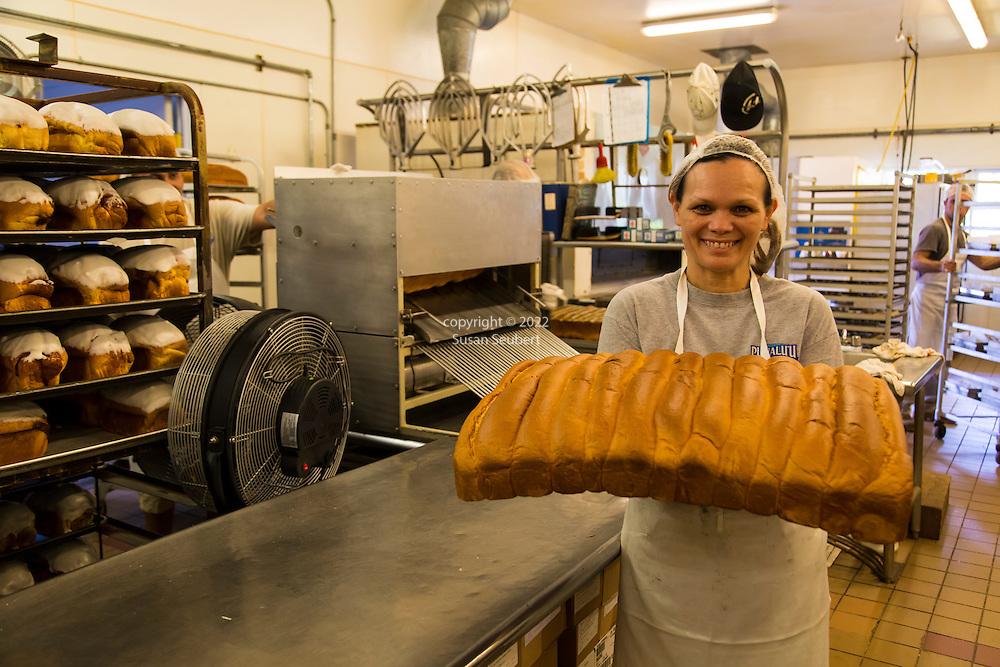 Punalu'u bakery, famous for its Portuguese Sweet Bread, in the village of Punalu'u in the district of Ka'u on the Big Island of Hawaii, USA, America